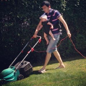 Lawn mowing BabyBjörn style